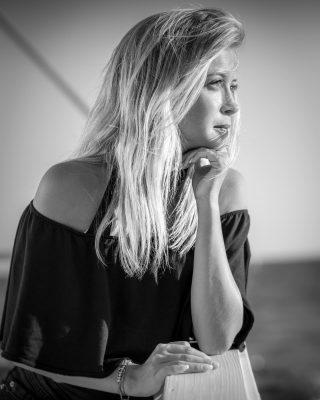 Alice in #blackandwhite #portrait #portraitphotography #bw #shooting #shootingphoto #shootingphotography #bestphoto #bestoftheday #bestpic #bestshoot #picoftheday #pictureoftheday #fujifilmxt3 #xf56