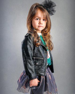 I bambini danno espressioni indimenticabili. #shooting #shootingphoto #portrait #portraitphotography #kidsfashion